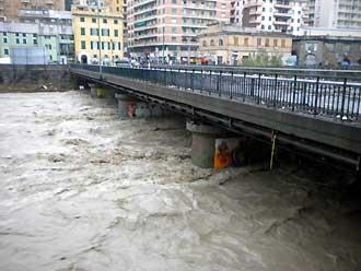 alluvione_ge_4_11_bisagno